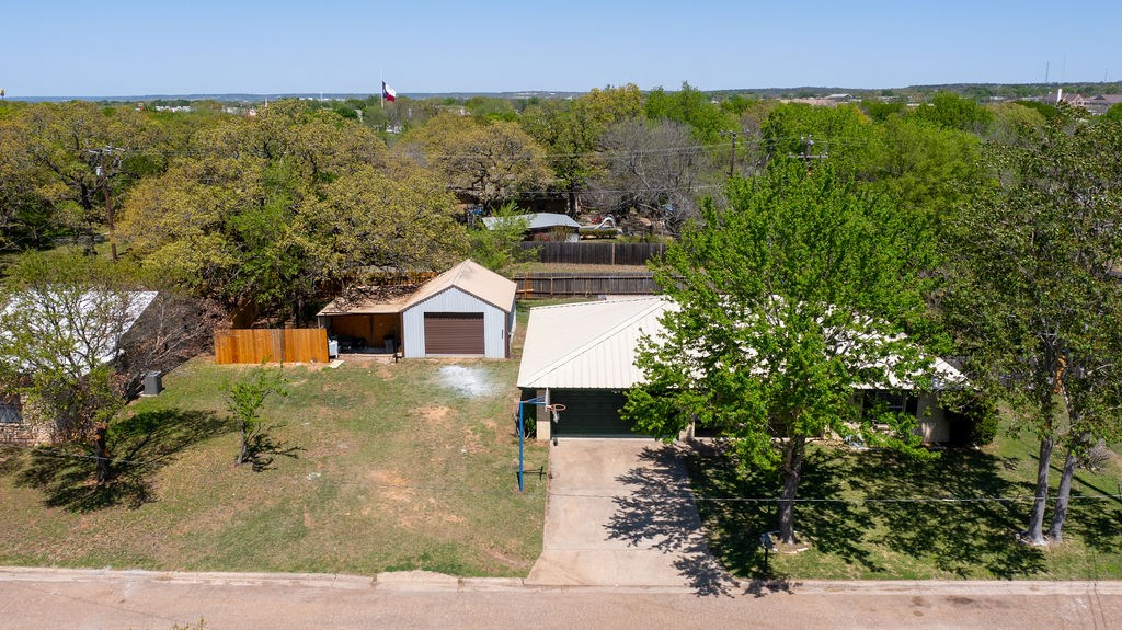 Beautifully Remodeled Home With Large Lot and Shop Texas
