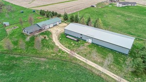 HORSE PROPERTY & COUNTRY HOME FOR SALE IN JACKSON COUNTY, IA