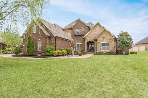 North Jackson TN Custom 5 BRHome w/ Pool, Near USJ & Trinity