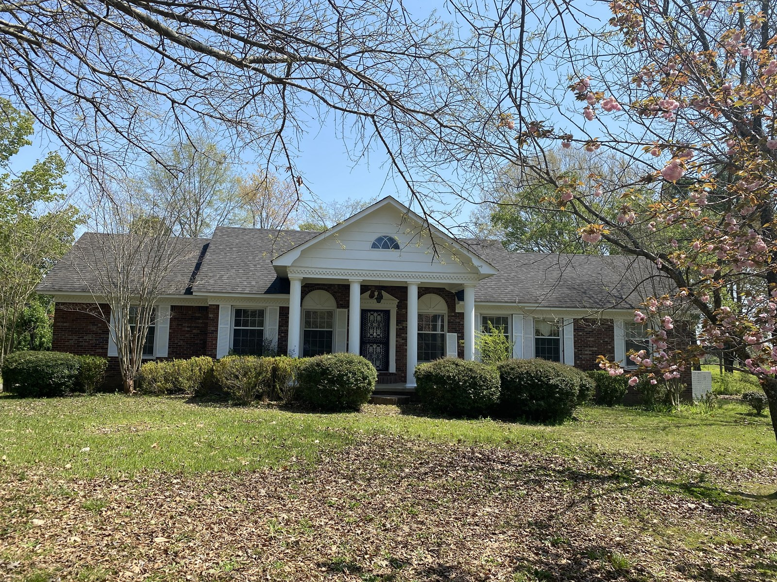 COUNTRY HOME, 4 ACRE MINI FARM IN TN FOR SALE, STORM SHELTER