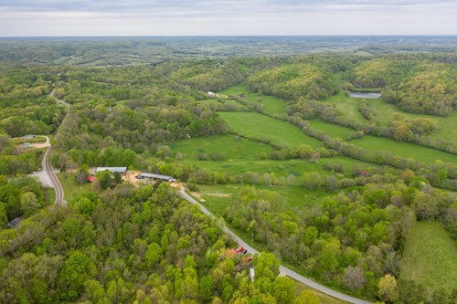 Land with Investment Opportunity in Mt. Pleasant. Tennessee