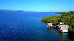 WATERFRONT BOCAS DEL TORO HOME IN PANAMA