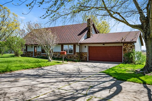 Country Home for Sale Parker City, Indiana