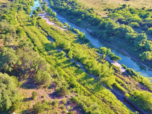 Riverfront Property in Texas Hill Country Subdivision