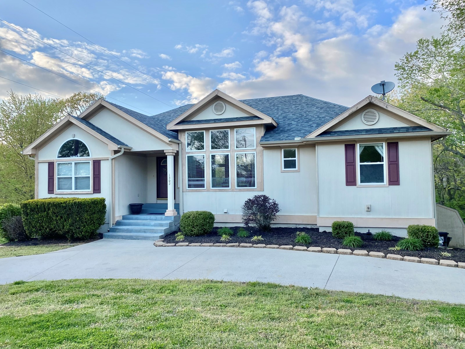 Nevada Missouri Home in Town For Sale