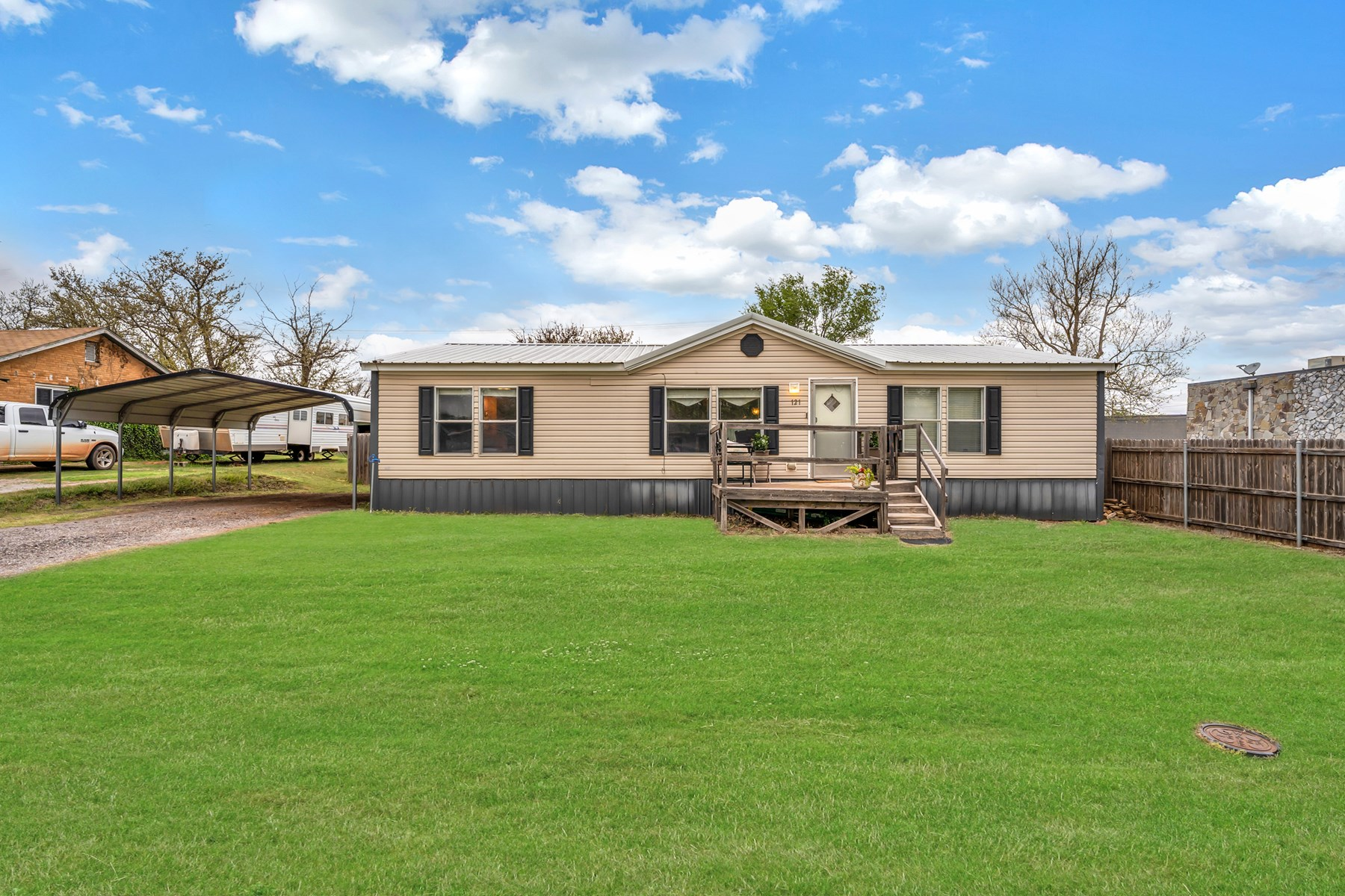 PROPERTY FOR SALE IN CANUTE, OKLAHOMA