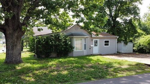 Home in town on Corner Lot in Southeast Missouri