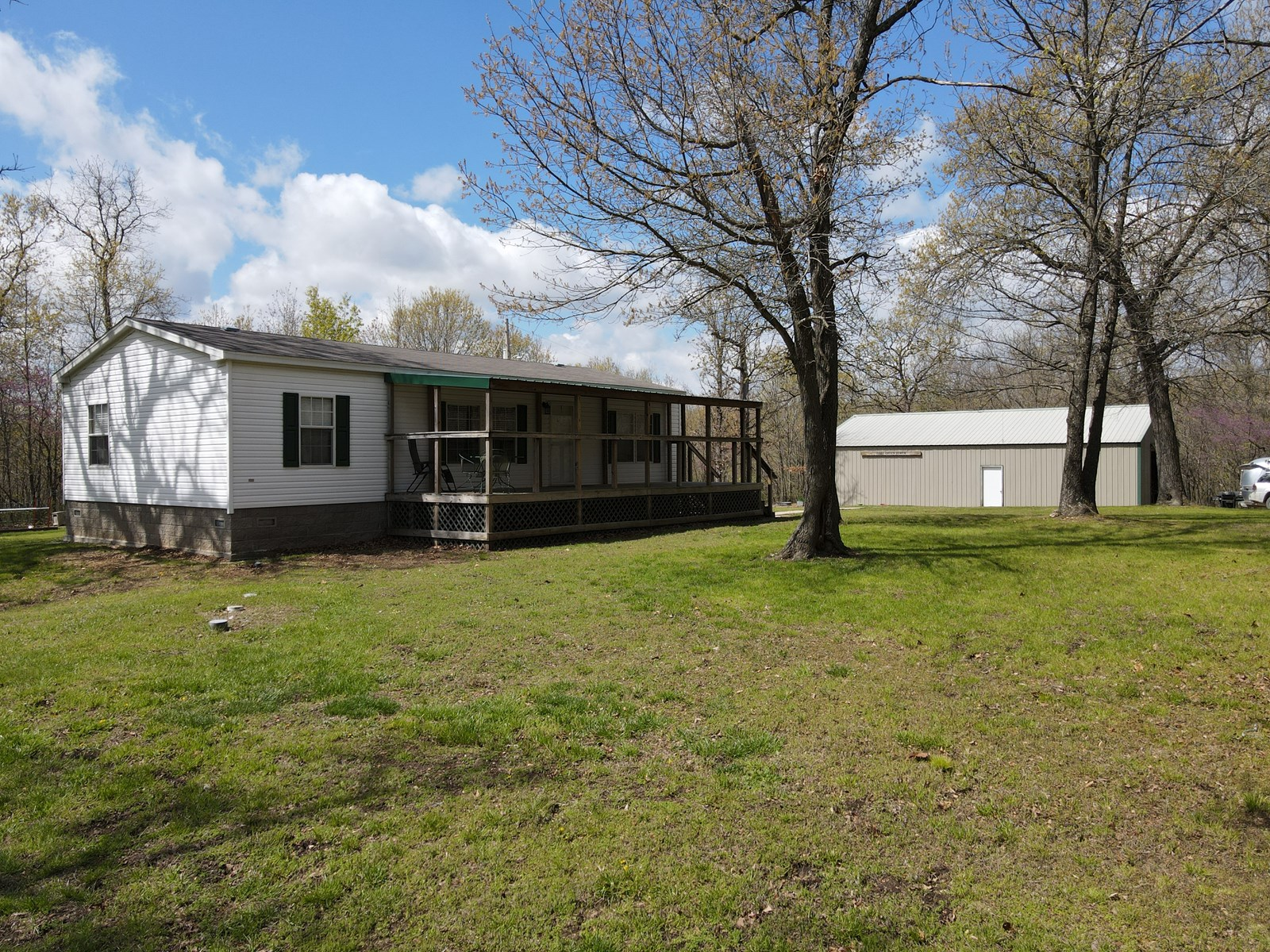 Country Home For Sale in Warsaw, Missouri