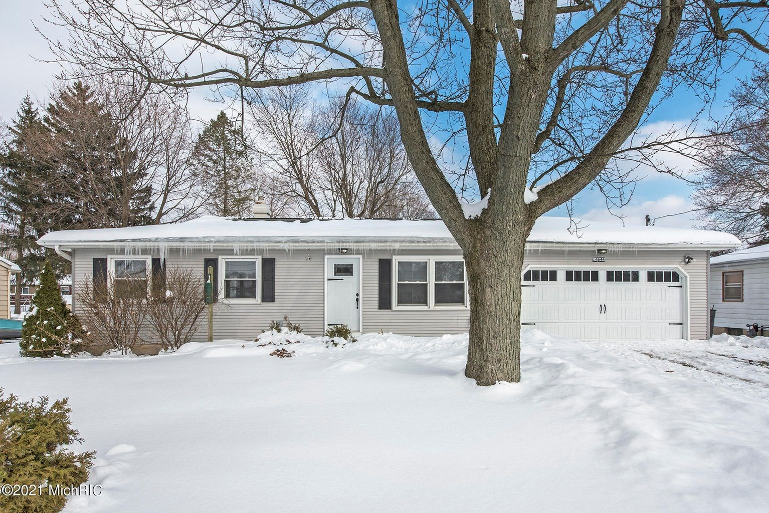 So much room in this Battle Creek family home