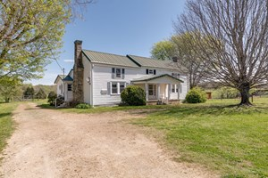 HISTORIC HOME WITH ACREAGE FOR SALE IN HAMPSHIRE, TENNESSEE