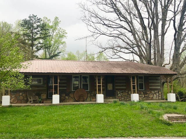 3Br/1Ba Log Cabin in Overton Co, TN/ Crawford, TN/8.95 Acres