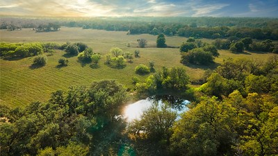 Gorgeous 100 acre Tract For Sale in Guadalupe County