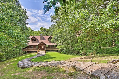 Log Home for Sale in Northwest Arkansas