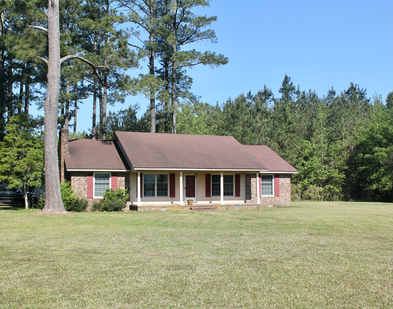 Country Home for Sale in Washington NC