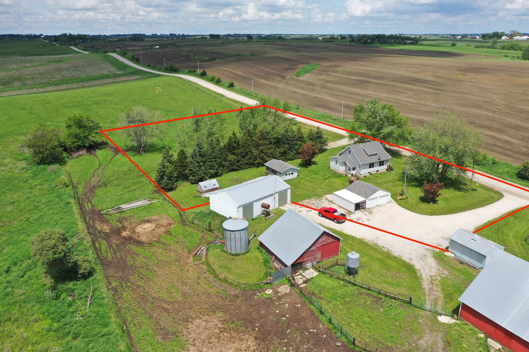 Home For Sale in the Country in Southern Iowa Acreage