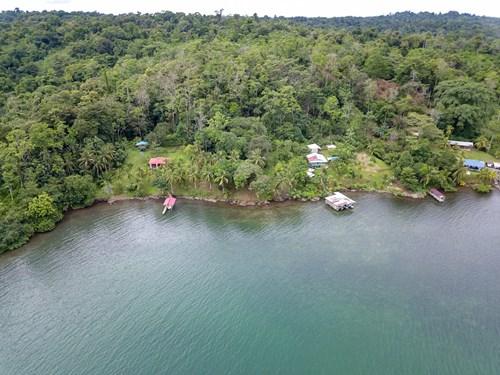 Waterfront land, Punta Laurel, Isla Popa