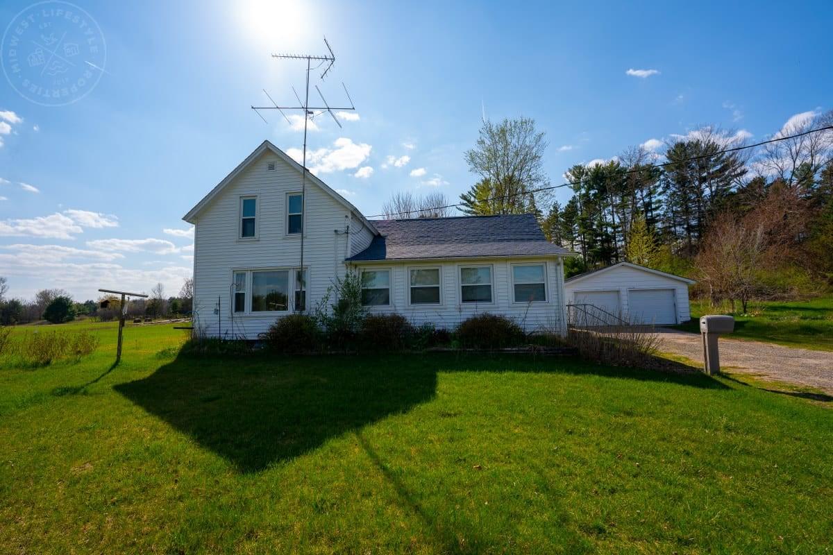 2 Bedroom Farm Home Adams County Wisconsin