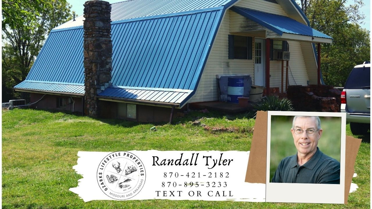 Country Home and Acreage for sale in the Ozarks