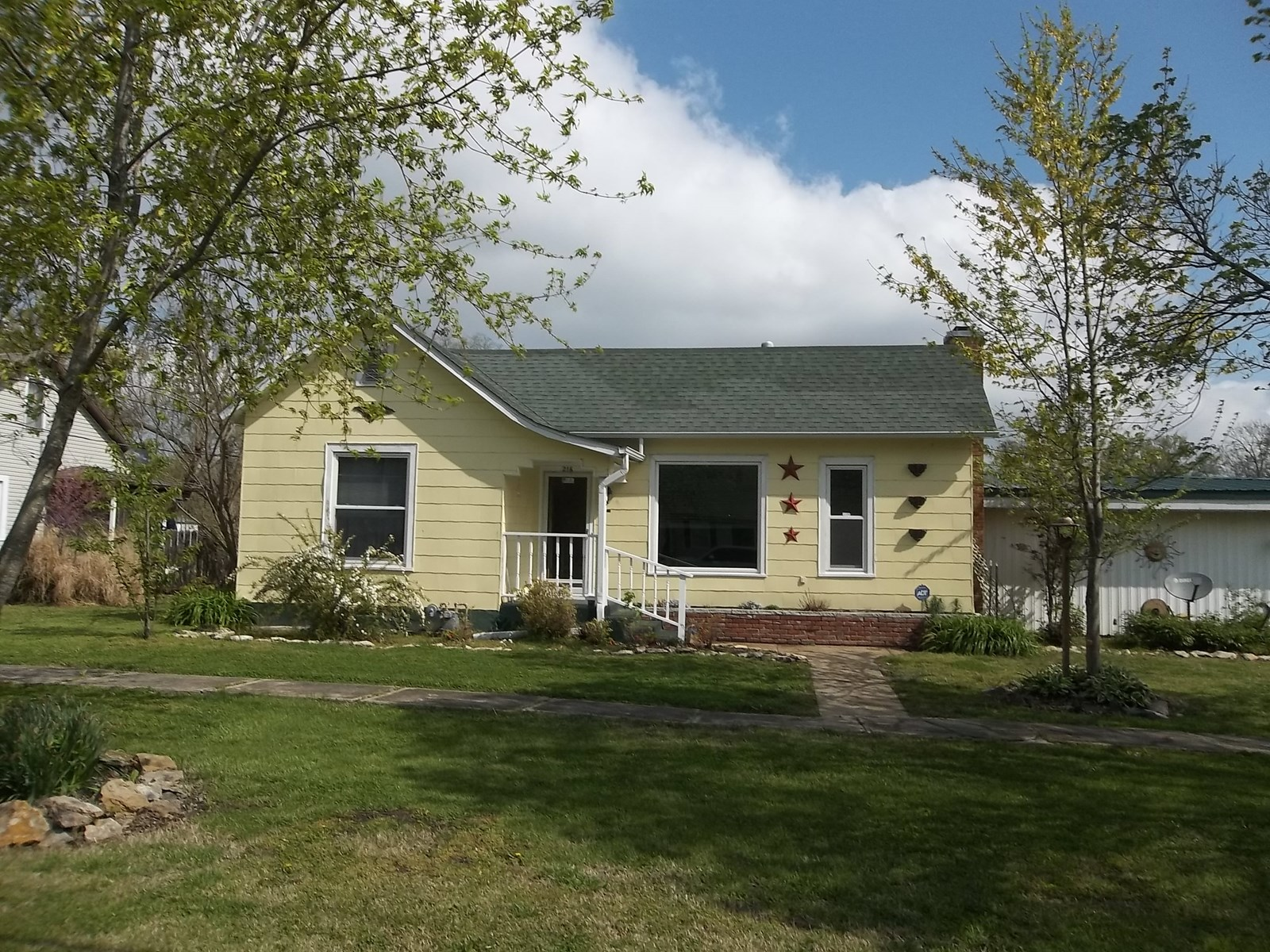 Home for Sale in Erie, Kansas