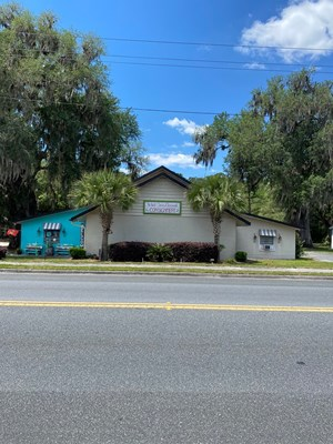 6,000+ SQUARE FEET COMMERCIAL BUILDING IN BRANFORD, FL