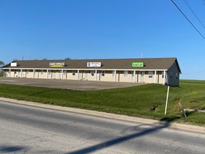 WELL LOCATED COMMERCIAL BUILDING FOR SALE CAMERON MO