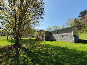 HOME FOR SALE WITH ACREAGE IN GLADE SPRING VA
