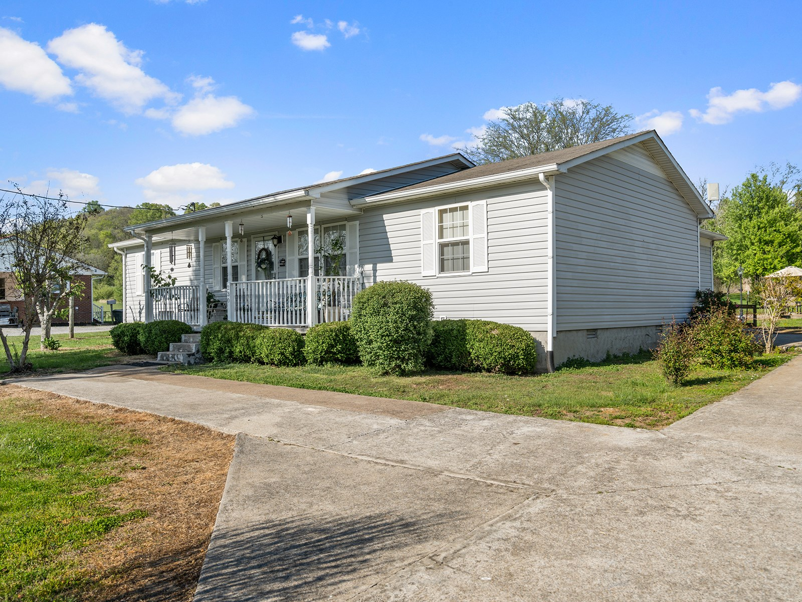 Country Home for Sale in Lynnville, Tennessee