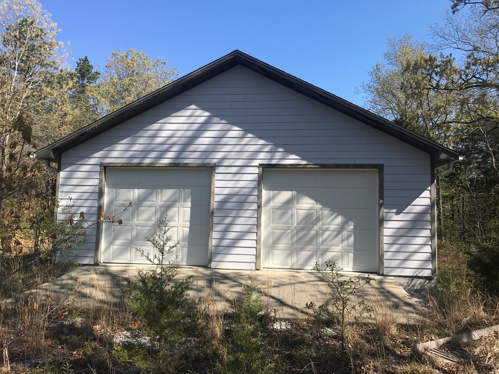 Beautiful acreage with Shop in Mountain View AR