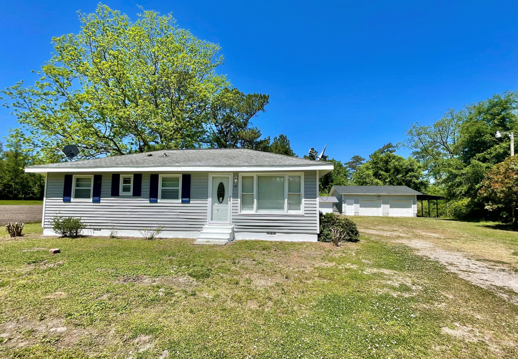 Cute country home for sale in Aurora, NC