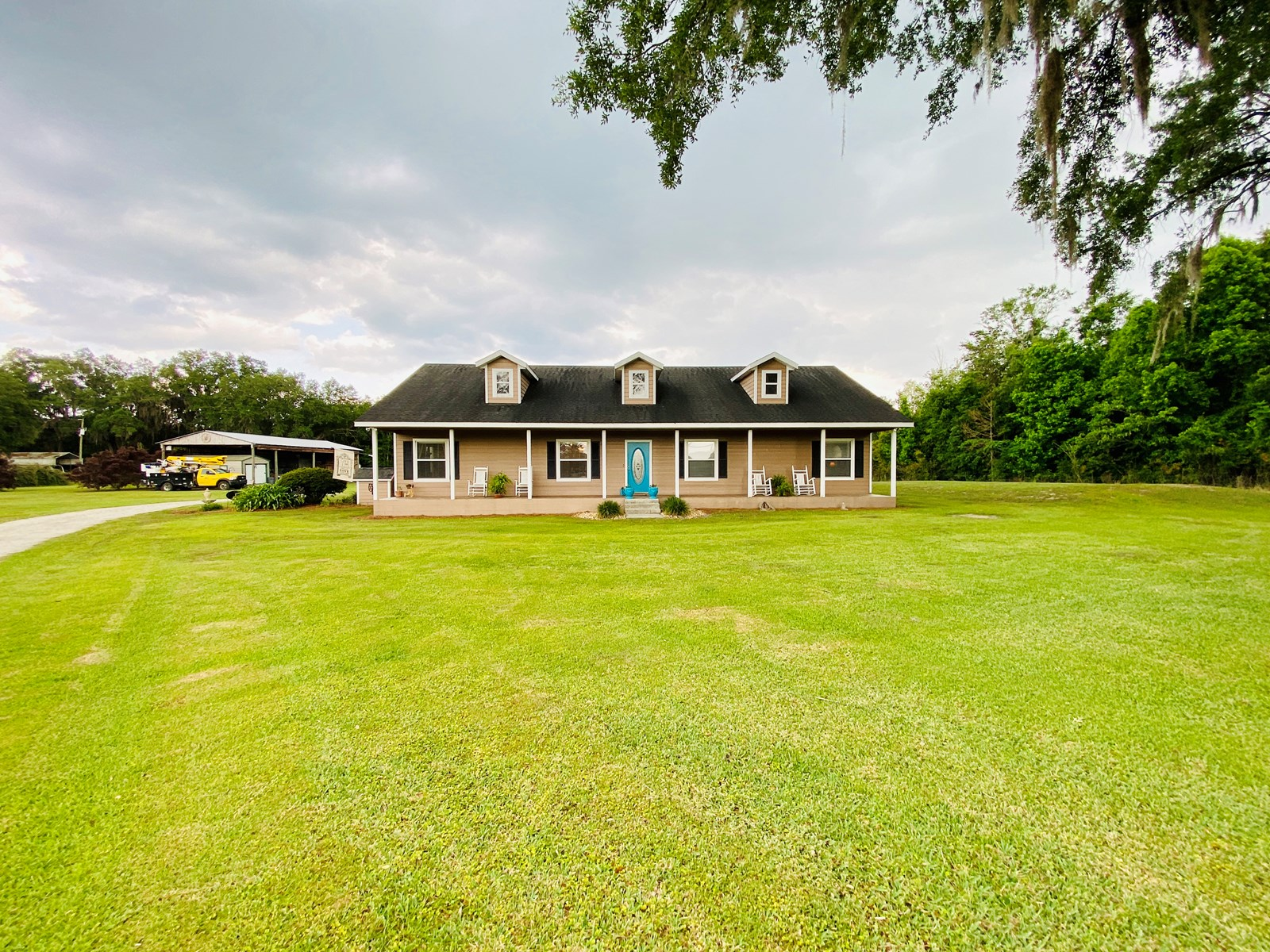 4 bedrooms 2.5 bathrooms on 5 secluded acres