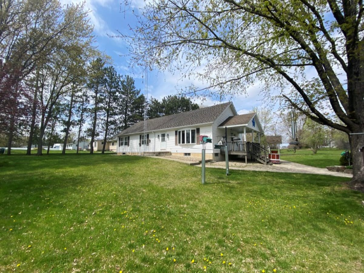 Large Pacific Township Lot with a 3bed 2 bath Ranch Home