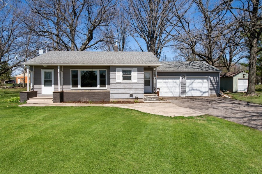 2br, 1ba, One level home, Mature trees, 1.27 acres, for sale