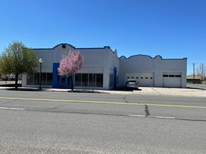 COMMERCIAL BUILDING WAREHOUSE WITH MAIN STREET EXPOSURE!