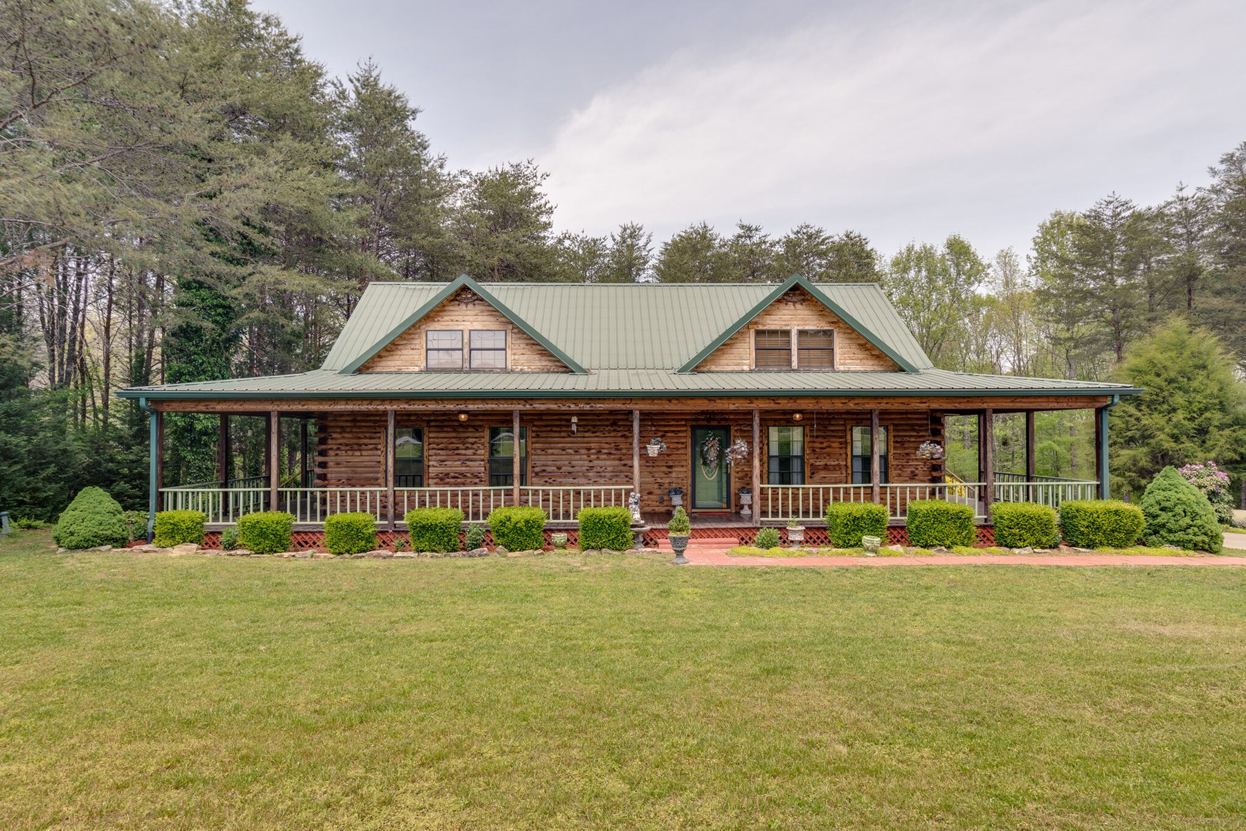 Country Home with Riverfront Views in Waynesboro, Tennessee
