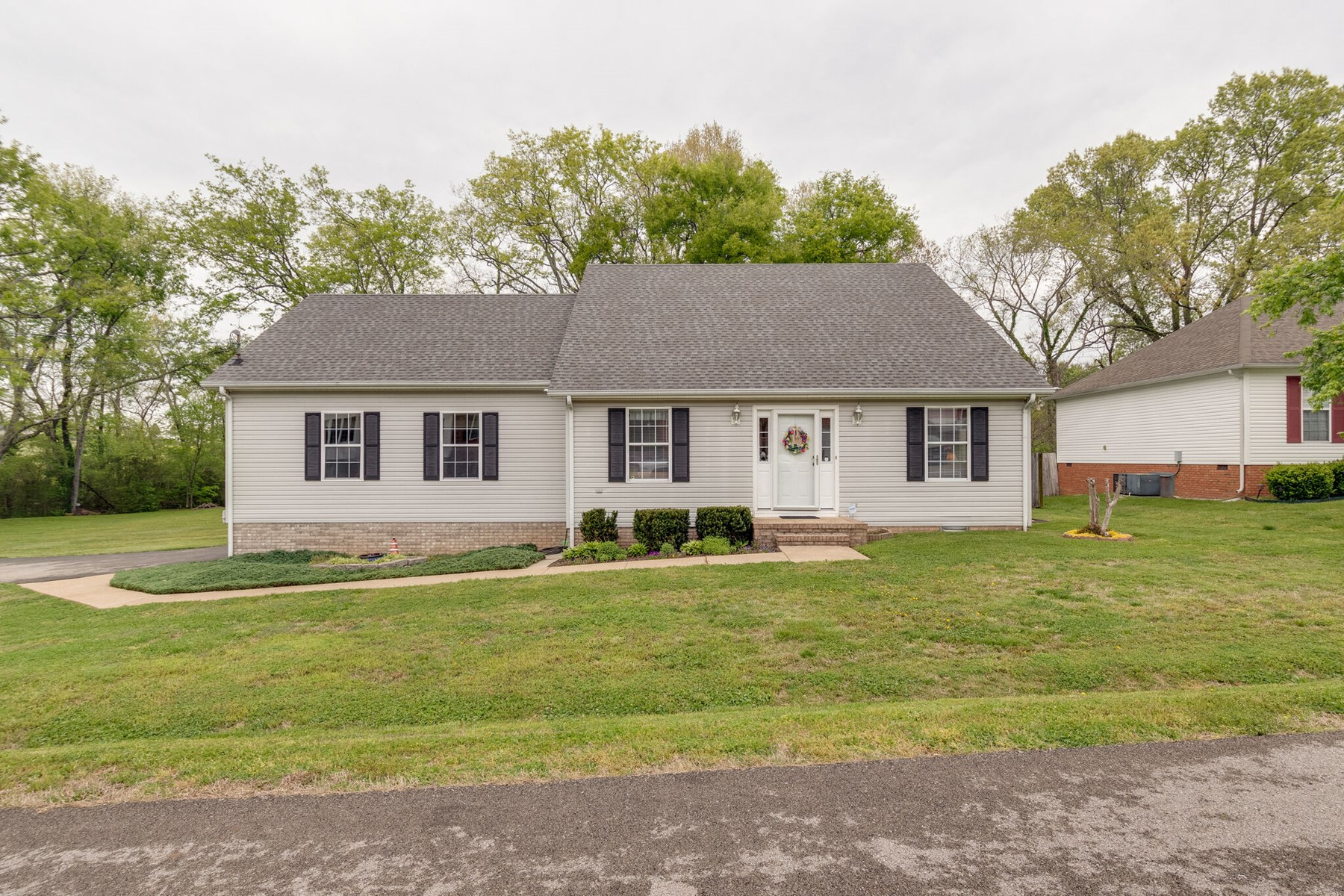 Home in Shenandoah Subdivision for Sale in Columbia TN