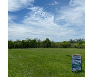 10 Commercial acres with I-35 frontage in Clinton County