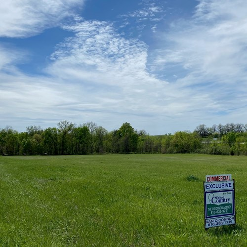 10 acres of Commercial Land For Sale with I-35 frontage