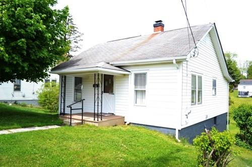 2 Bedroom 1 bath home in Wytheville, VA