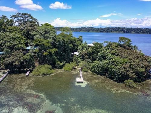 Coastal Bocas del Toro home and cabin,  Isla Bastimentos