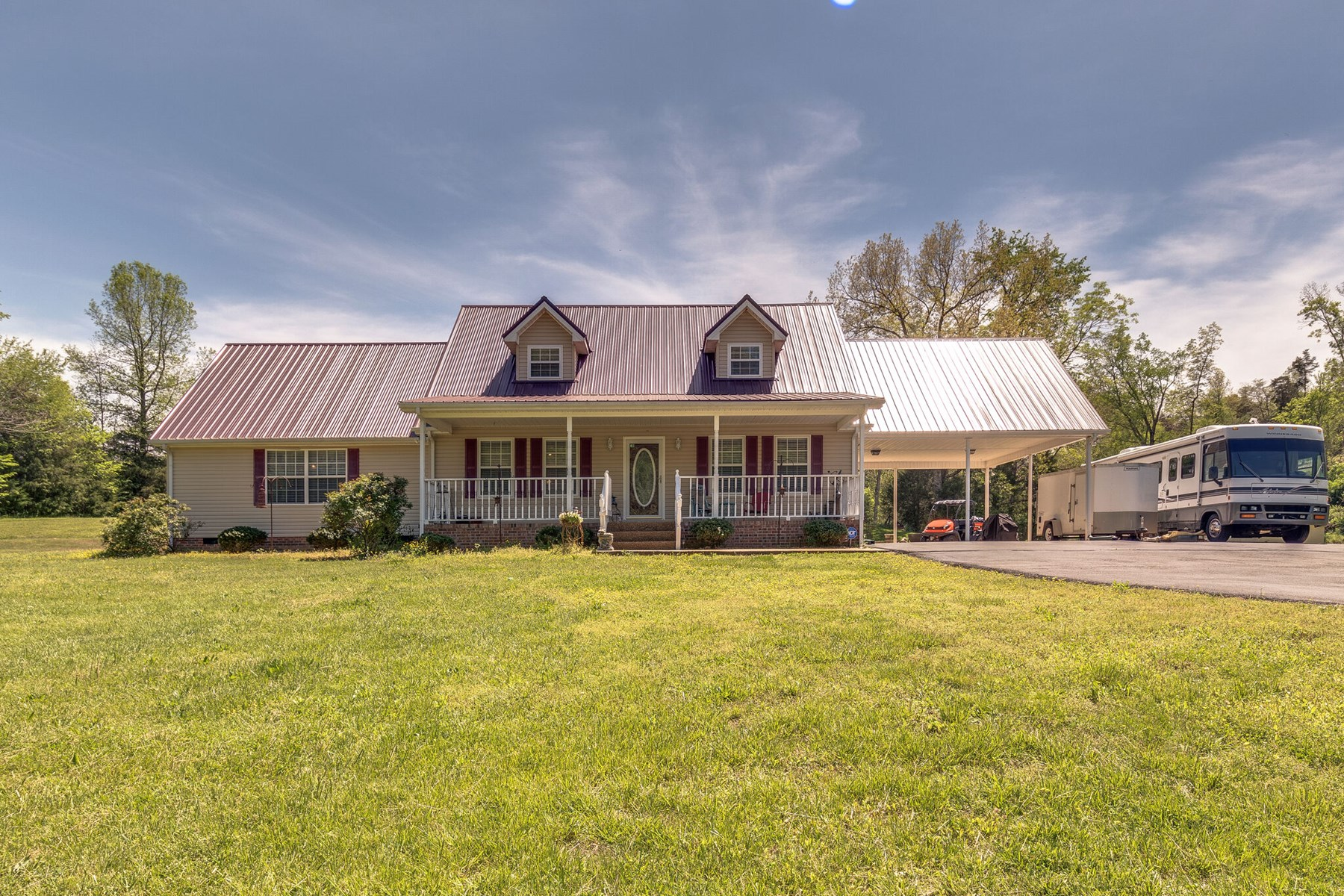 Country Home Overlooking Cane Creek in Lewis Co. Tennessee