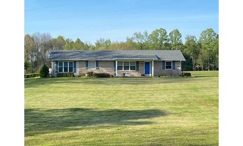 Country Home on 11.64 Acres in Albany, Kentucky
