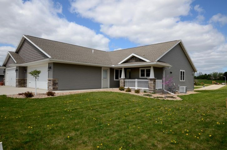3 BR 3 BA Townhome for sale in WI
