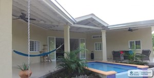 HOUSE WITH POOL FOR SALE IN EL ESPINO SAN CARLOS PANAMA