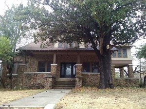 HISTORIC HOME IN TOWN FOR SALE PARIS TEXAS LAMAR COUNTY