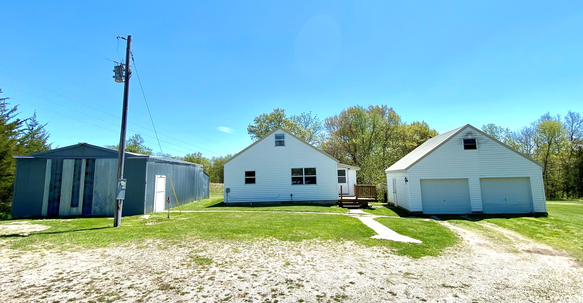 For Sale Country Home on Small Acreage in Mercer Co.