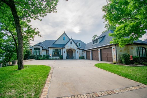 TWO STORY CUSTOM HOME IN EAGLES BLUFF AT LAKE PALESTINE