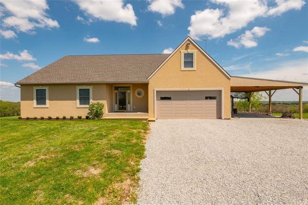 Gorgeous 4,000 sq ft Home on 19 Acres in Andrew County, MO