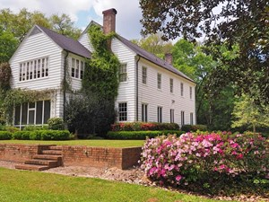 HISTORIC COLONIAL HOME FOR SALE, 9 ACRES, POOL, SW MS