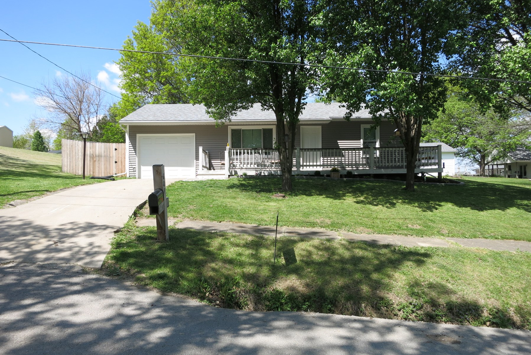 Ranch Style House For Sale in Northwest MO