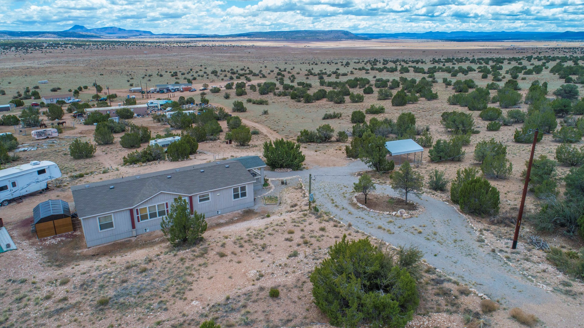 Country home on small acreage for Sale in Seligman AZ